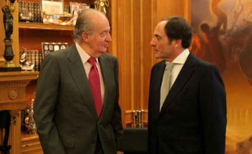 King Juan Carlos meets with Portuguese Foreign Minister Paulo Sacadura Cabral Portas today.