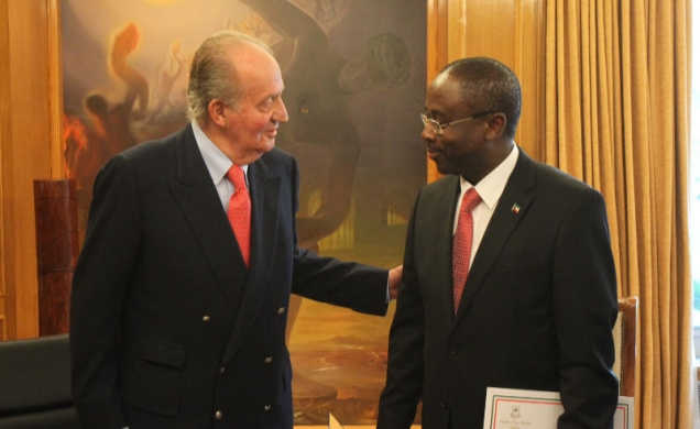 King Juan Carlos meeting with Equatorial Guinea foreign minister. Guinea Ecuatorial, Agapito Mba Mokuy