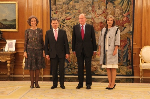 King Juan Carlos and Queen Sofia receiving Colombian President Juan Manuel Santos and his wife María Clemencia Rodríguez Múnera at Zarzuela Palace this month.