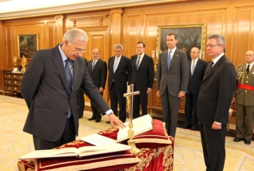 King Felipe swears-in new Constitutional Court magistrate at Zarzuela Palace.