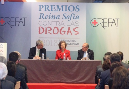 Queen Sofia presiding over awards ceremony against drug use. © Casa de S.M. el Rey / Borja Fotógrafos