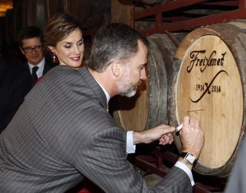 King Felipe and Queen Letizia visiting the Freixenet winery in Barcelona.  © Casa de S.M. el Rey