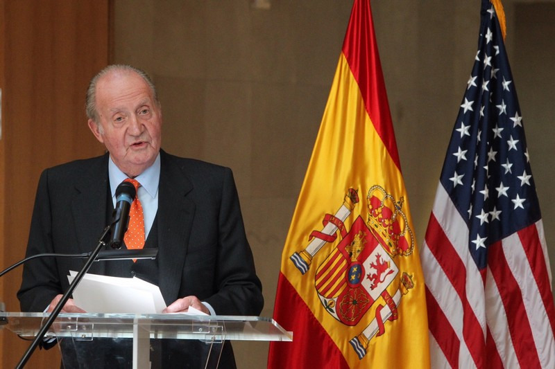 King Juan Carlos speaking at the Spanish Ambassador's residence in Washington, D.C. last week, where he awarded U.S. Sen. Robert Menendez for his efforts at promoting U.S. - Spanish ties. © Casa de S.M. el Rey