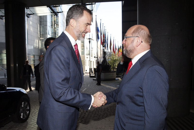 European Parliament President Martin Schulz welcomes King Felipe.