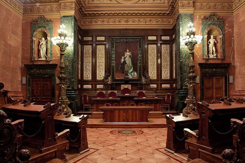 800px-Ayuntamiento_Barcelona_salon_regente_01