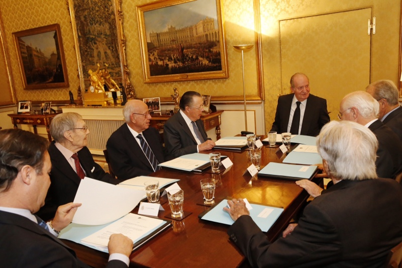 King Juan Carlos leading a meeting at the Royal Palace in Madrid. © Casa de S.M. el Rey