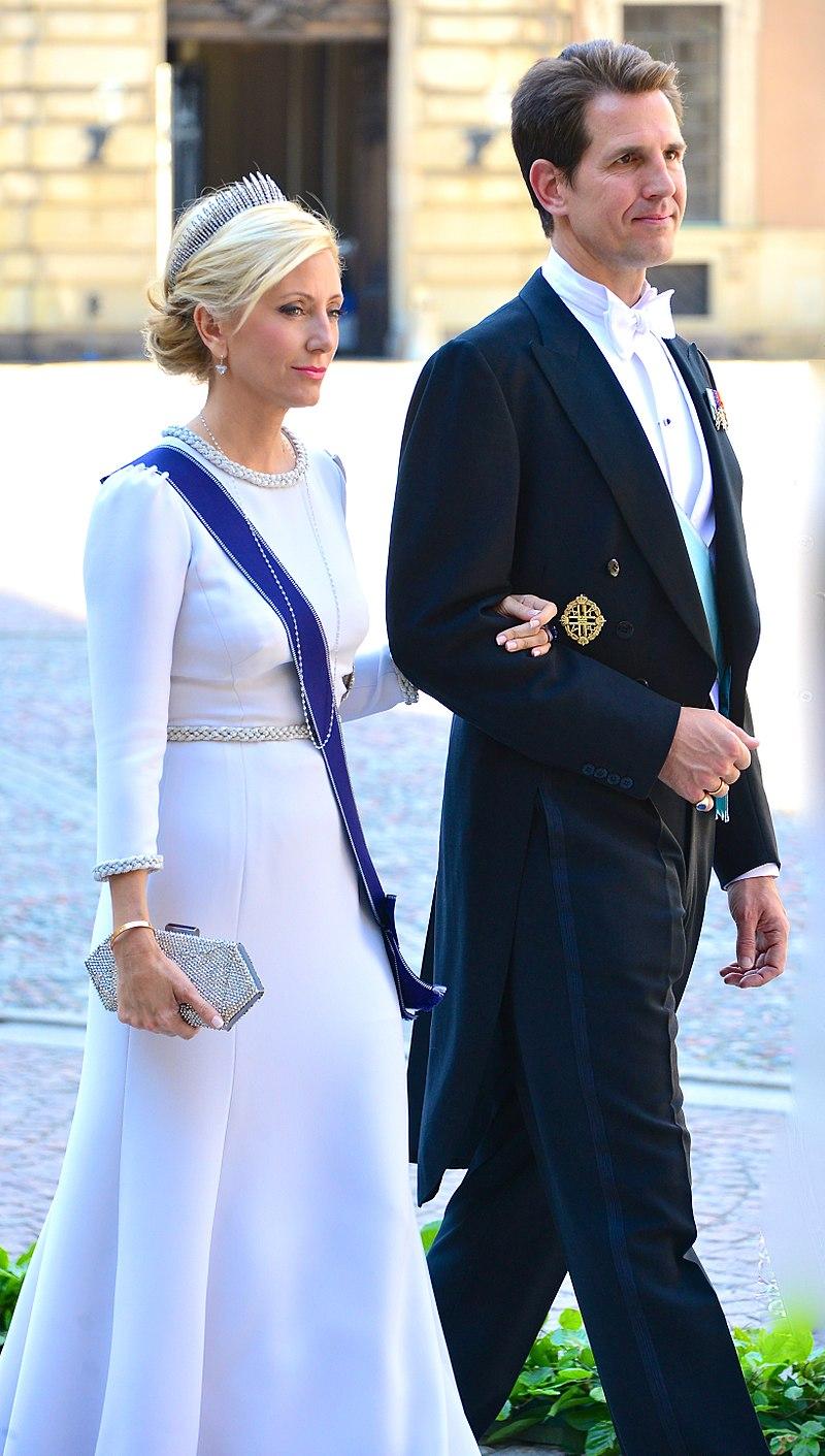 800px-Kronprins_Pavlos_av_Grekland_med_gemål